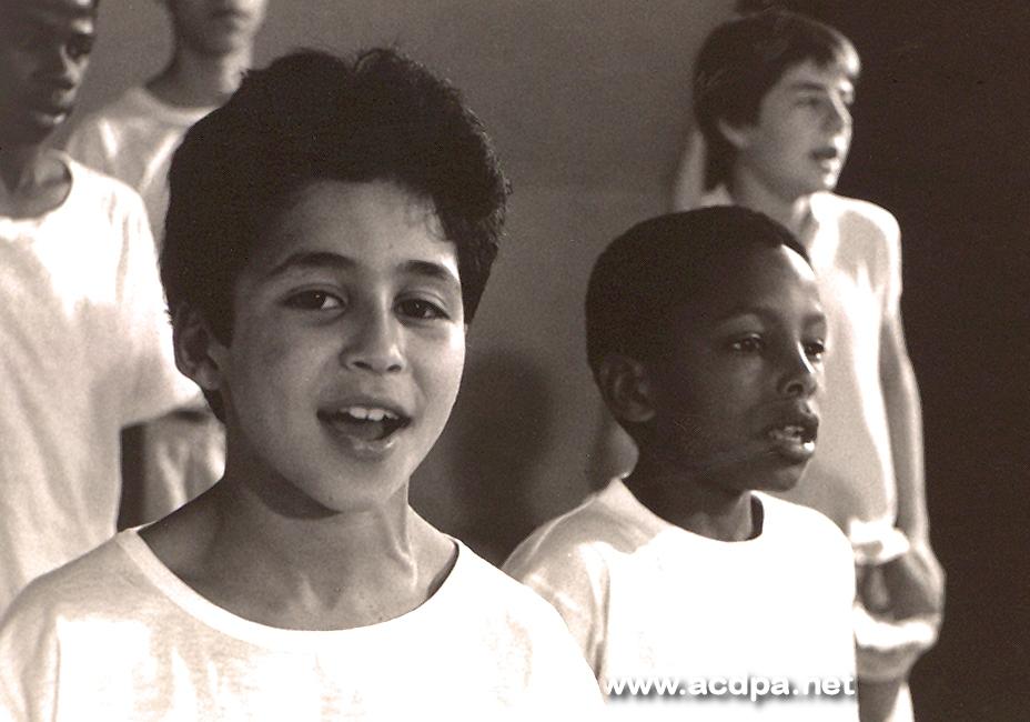 """1990 : Kader et Jakson, les deux petits leaders de l'époque (10 et 11 ans) ! Aujourd'hui, ces """"messieurs"""" font du Rap Urbain... c'est plutôt sympa, non ?"""