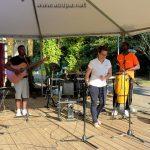 Jean-Luc au piano, Grace à la guitare, Delphine (danse) et Ric aux congas