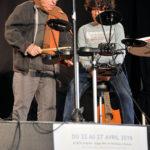 Jean-Luc et Léo, à la batterie