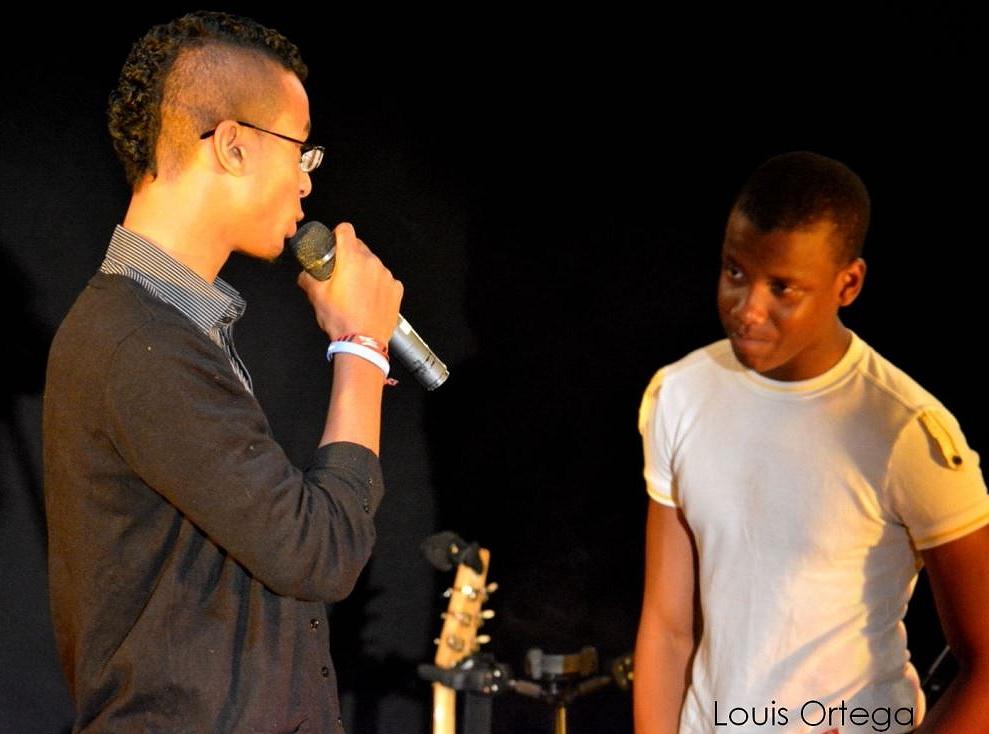 Alexandre et Tuintim dans le sketch de la fugue, Spectacle au VVF Lagrand, le 24 juillet 2014